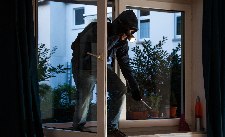 Ladro di appartamento - consigli sulla sicurezza dei Carabinieri